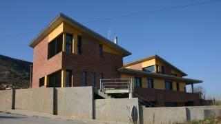 Viviendas Pareadas 01. Monzón. Huesca. Miguel Angel Brualla - Yolanda Alcaraz Quiroga. Arquitectos.