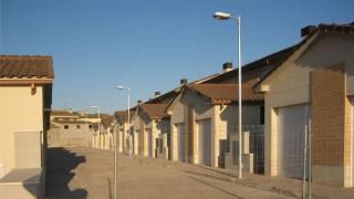 27 viviendas unifamiliares adosadas con garajes 2. CRISOL. Pueyo de Santa Cruz. Fundación Vivienda y Valor. Miguel Angel Brualla. Arquitecto.