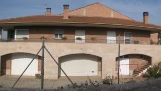 Vivienda unifamiliar aislada con garaje. Osso de Cinca 1. Huesca. Arquitectos. Brualla Alcaraz. 1